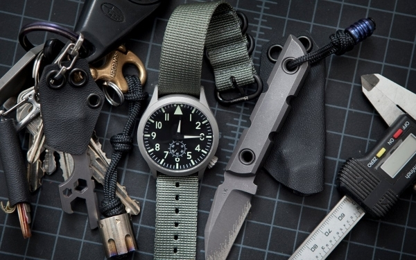 cda582f10 The Best Pilot Watches for Every Budget | Everyday Carry