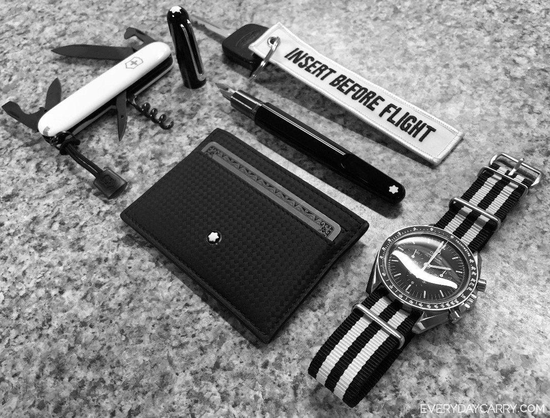 Everyday Carry Ohio Pilot Minimalist Monochrome