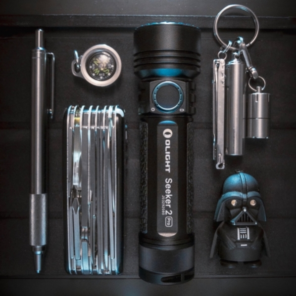 Olight Seeker 2 Pro light saber