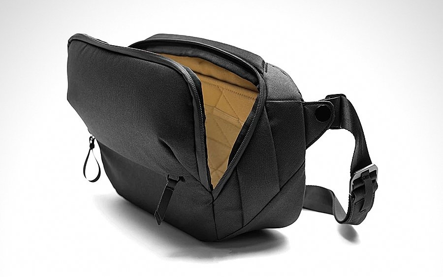 Trending: Peak Design Everyday Sling 5L
