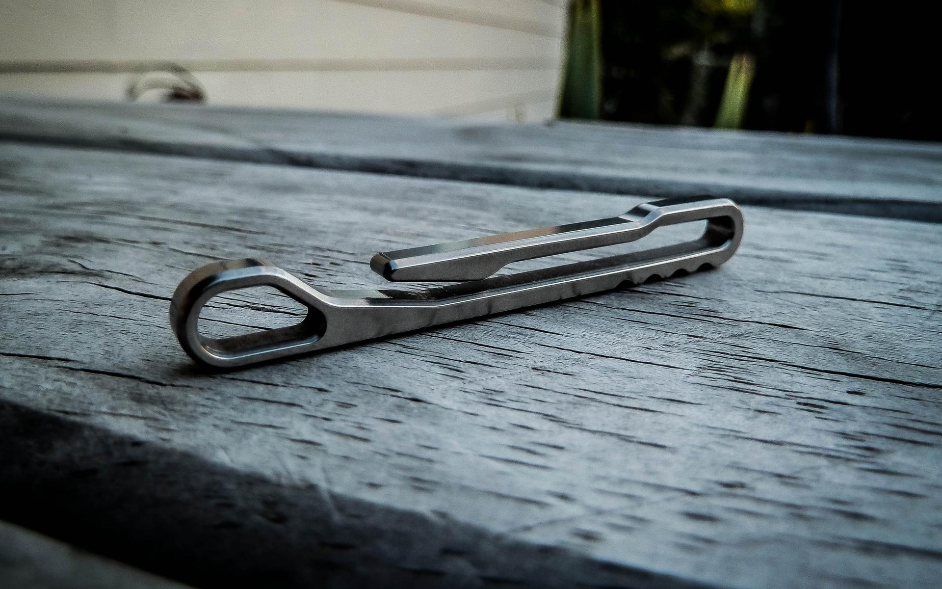 HangKey Titanium Keyholder