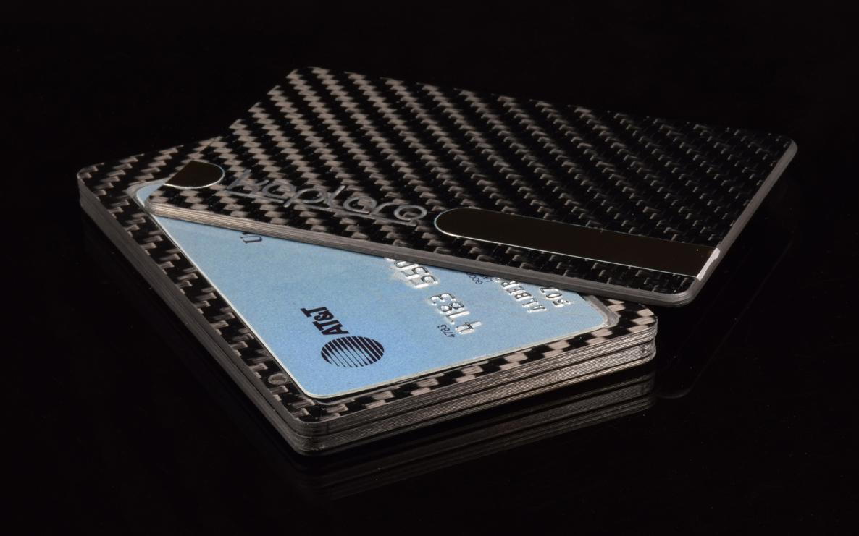 Keplero Carbon Fiber Magnetic Wallet