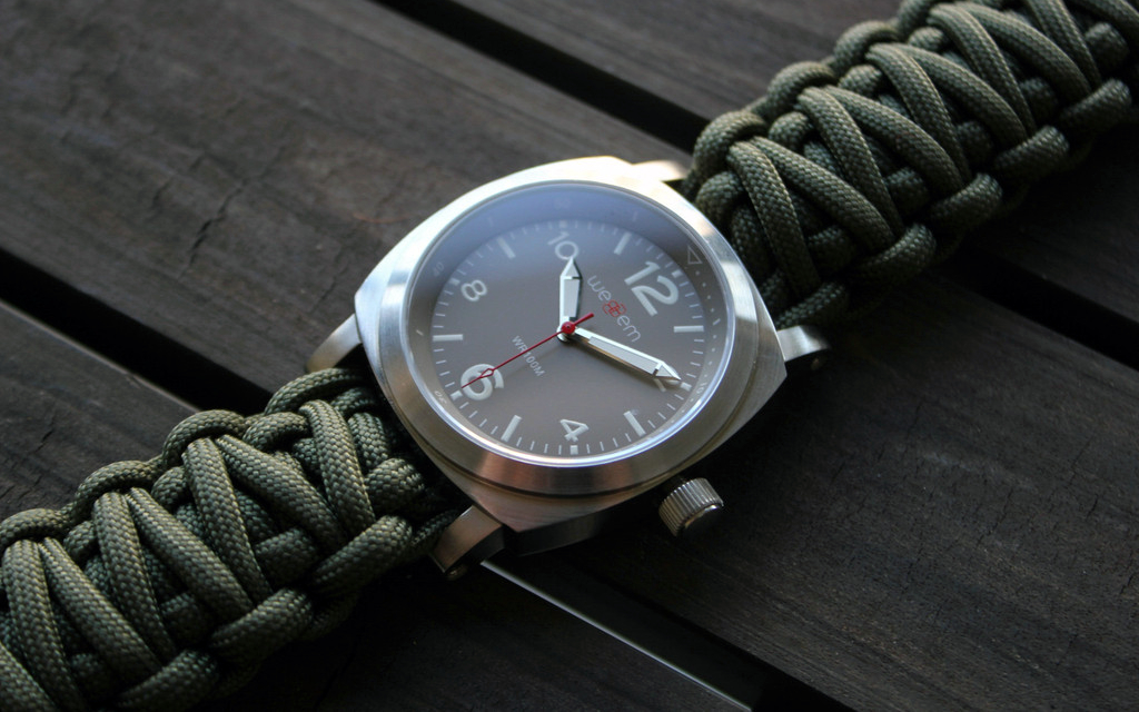 Traveler Paracord Watch