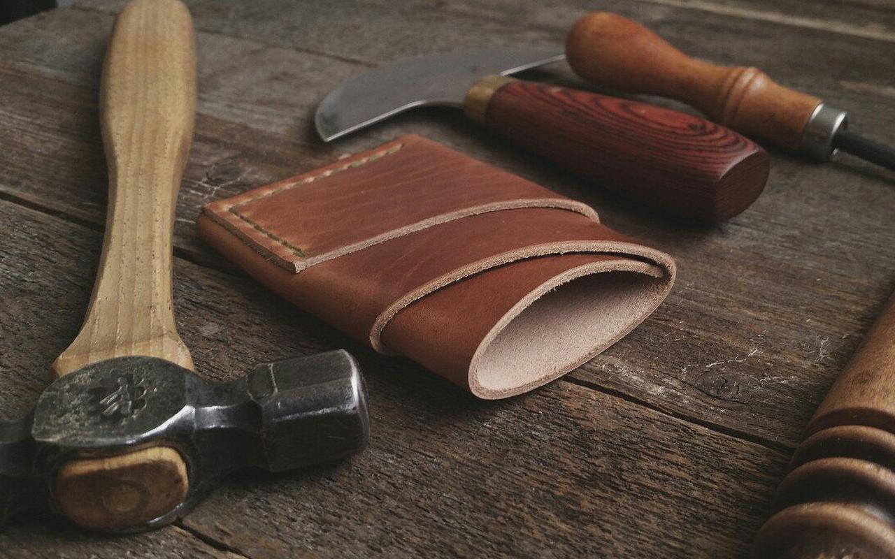 Craft & Lore Port Wallet