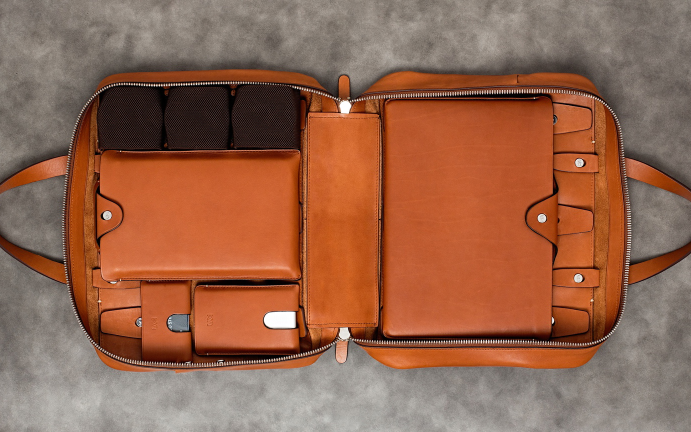 Anson Calder Adaptive Layout Bags & Cases