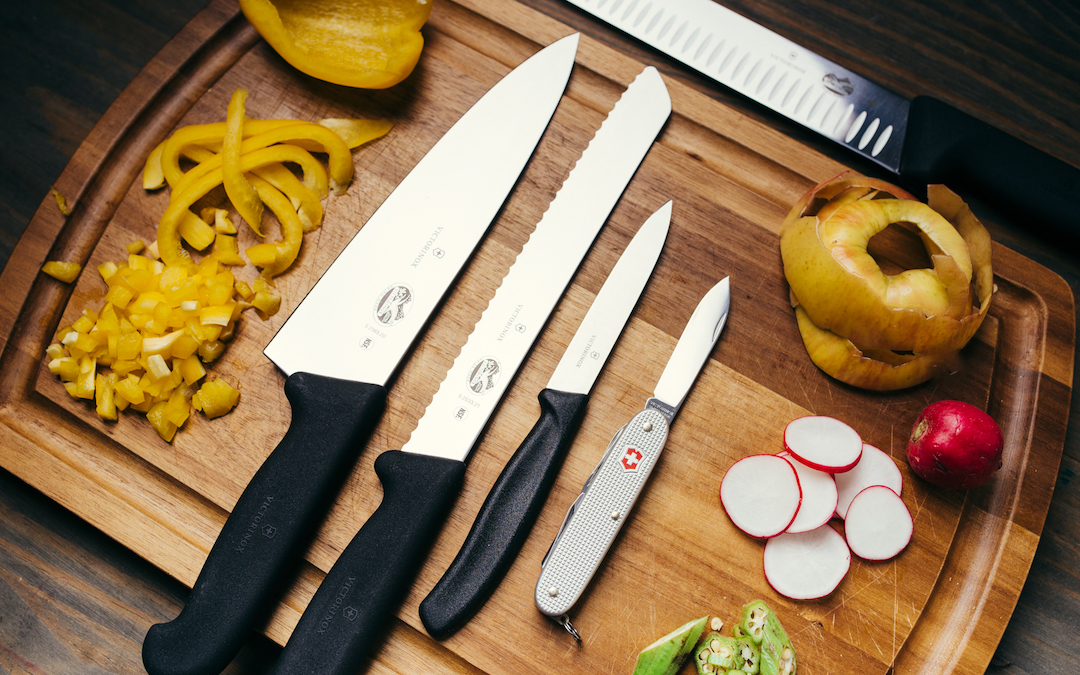 What Makes an EDC Knife Good for Food Prep?
