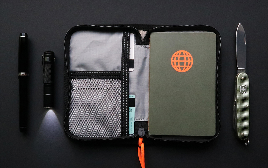 BOND Travel Wallet
