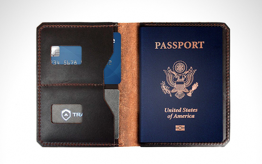 Trayvax Explorer Passport Wallet