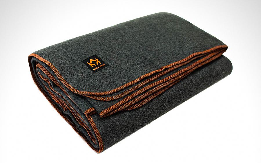 Arcturus 4.5lb Wool Blanket