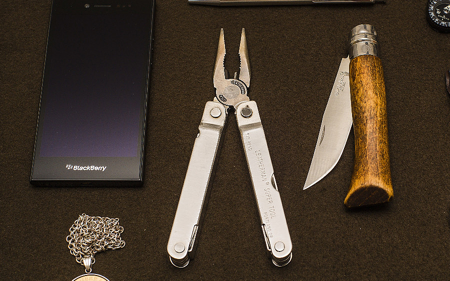 Trending: Leatherman Super Tool 300