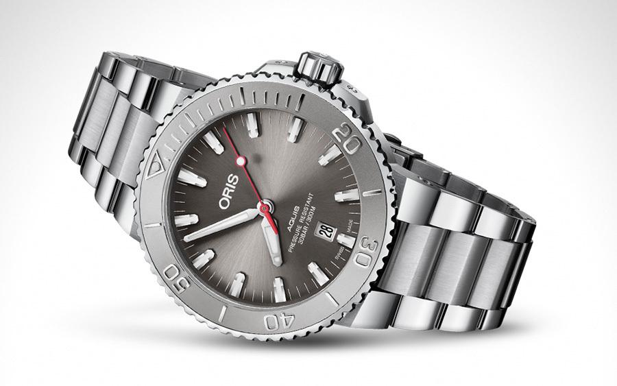 Oris Aquis Date Relief Dive Watch