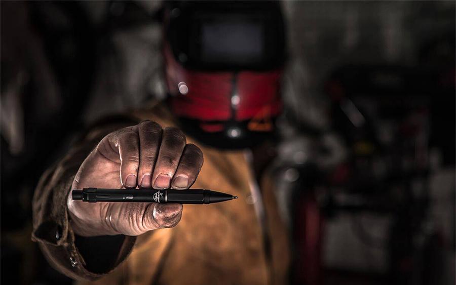 Trending: Fisher Space Pen Clutch
