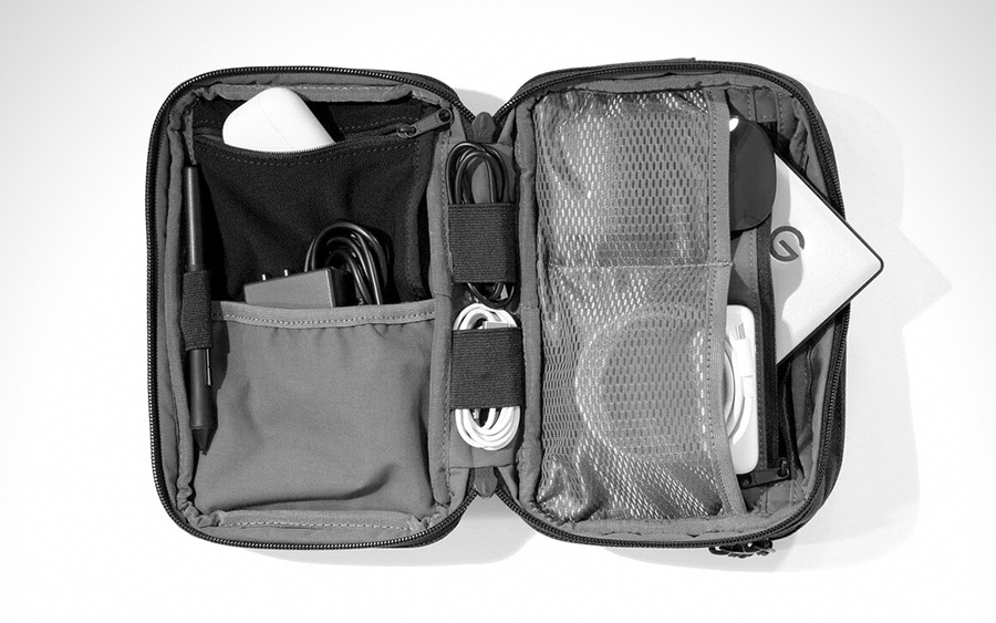 Aer Cable Kit 2 Pouch Organizer