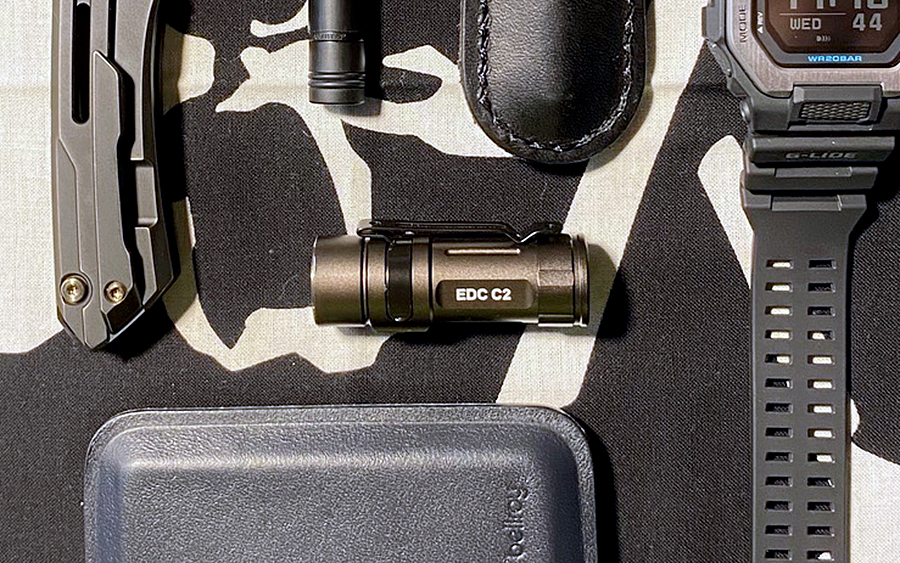 Trending: Folomov EDC C2 Flashlight