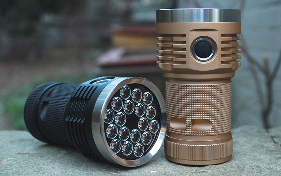 Emisar D18 Flashlight