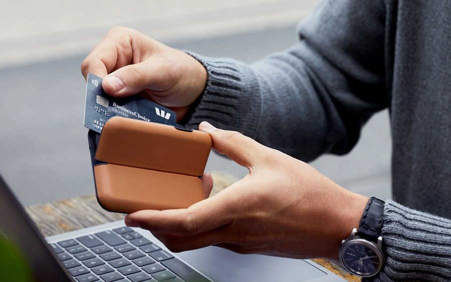 Bellroy Flip Case Card Holder Wallet