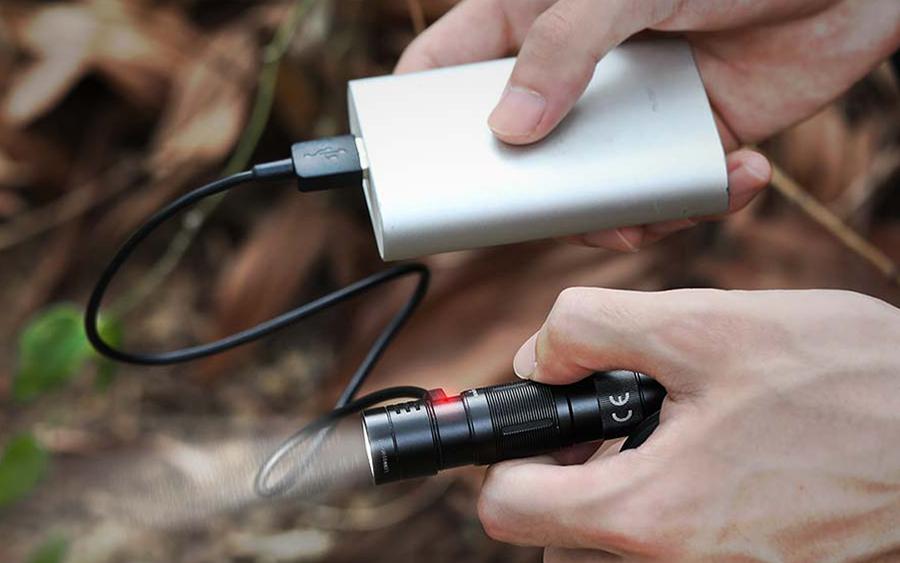 Fenix E09R recharging via USB-C
