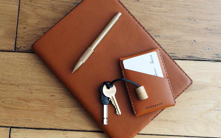 Wingback Winston Card Holder Review